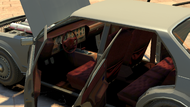 Roman'sTaxi-GTAIV-Inside