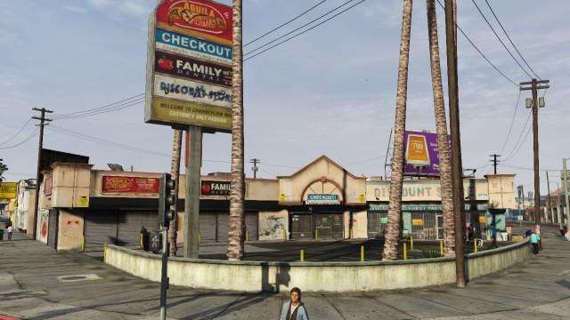 File:Chamberlain Plaza GTAV stores.jpg