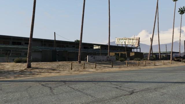 File:Derelict Motel GTAV Front view Sandy Shores.jpg