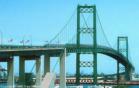 File:Vincent Thomas Bridge-Real-Life.jpg