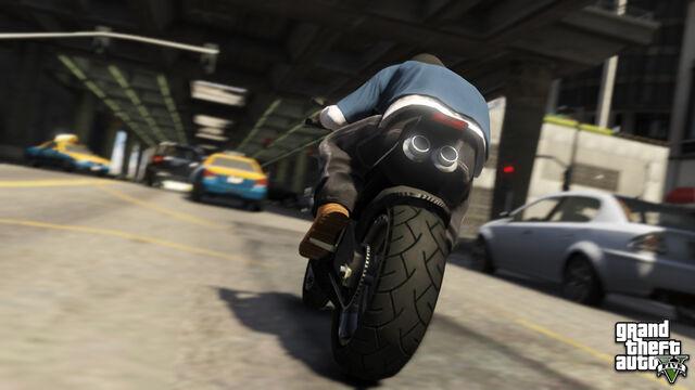 File:Bike&Traffic-GTAV.jpg