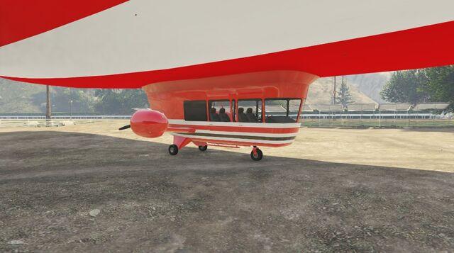 File:Xero Blimp GTAVe Passenger compartment.jpg