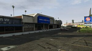 Strawberry Plaza GTAV stores