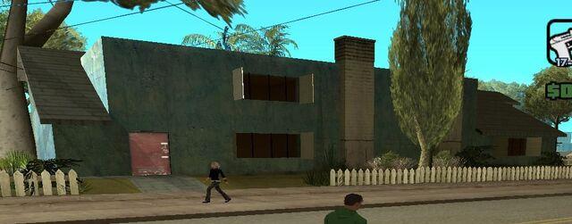 File:Los Flores Apartments.jpg 2.jpg