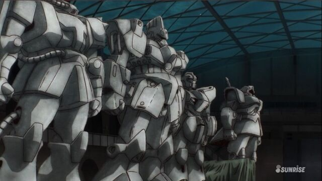 File:Gundam Reconguista in G old suits 2.jpg