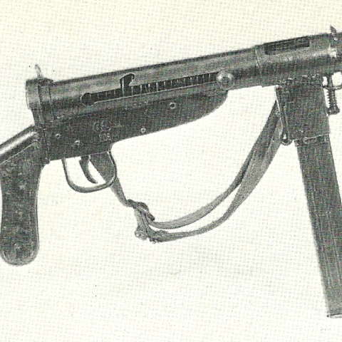 MP3008 made by aircraft firm Blohm &amp; Voss. These models included a wooden pistol grip, making the weapon feel aesthetically similar to an <a href=