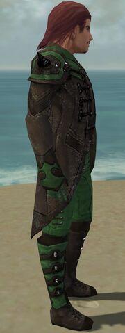 File:Mesmer Obsidian Armor M dyed side.jpg