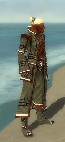 File:Monk Kurzick Armor M gray side.jpg