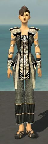 File:Monk Elite Sunspear Armor F gray front.jpg