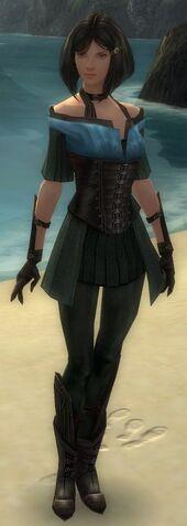 File:Gwen Armor Starter Front.jpg