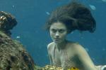 Cleo Under Water