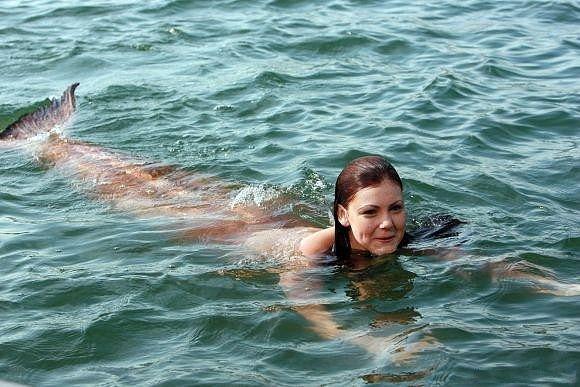 File:Charlotte In The Water.jpg
