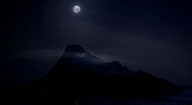 File:Mako at Night.jpg