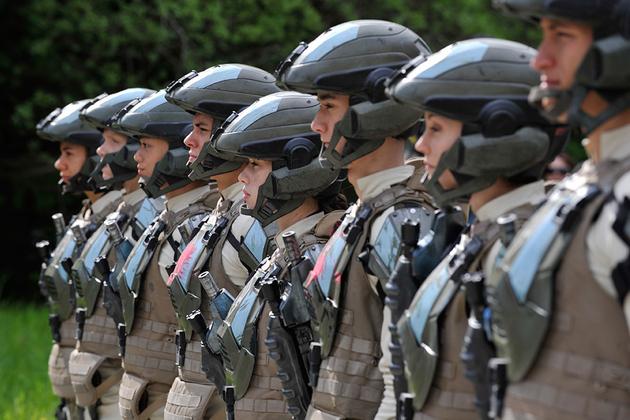 File:Halo-4-forward-unto-dawn-cadets-1020 large.jpg
