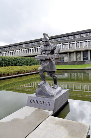 File:Corbulo Statue.jpg