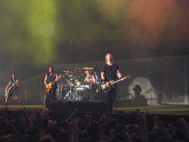 File:Metallica live London 2003-12-19.jpg