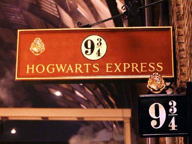 File:Harry Potter Platform.jpg