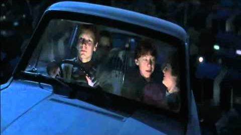 Harry Potter and the Chamber of Secrets (Clip) Harry escapes the Dursley's
