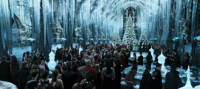 File:GreatHallYuleBall.jpg