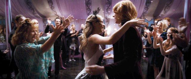 File:DH1 Fleur and Bill Weasley's wedding 01.jpg