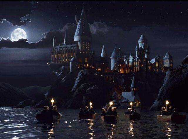 File:Hogwarts boats 1-0.jpg