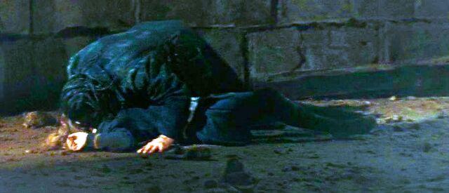 File:Greyback kills Lavender Brown.jpg