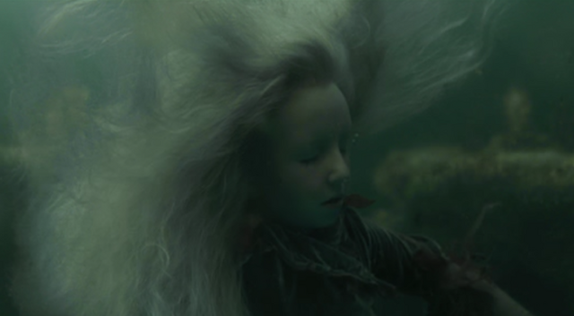 File:Gabrielleunderwater.png