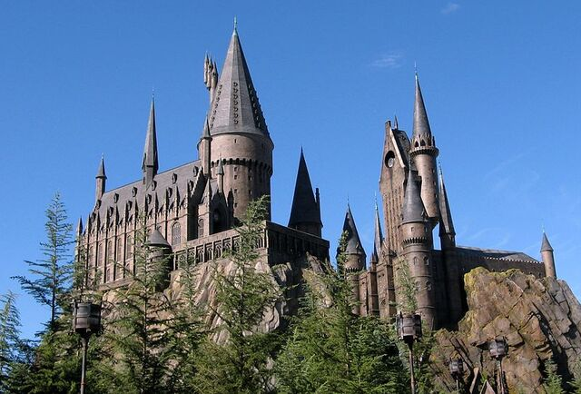 File:File-Wizarding World of Harry Potter Castle.jpeg