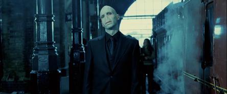 File:Voldemort King's Cross.jpg