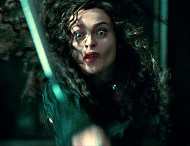 File:Bellatrix throwing knife.jpg