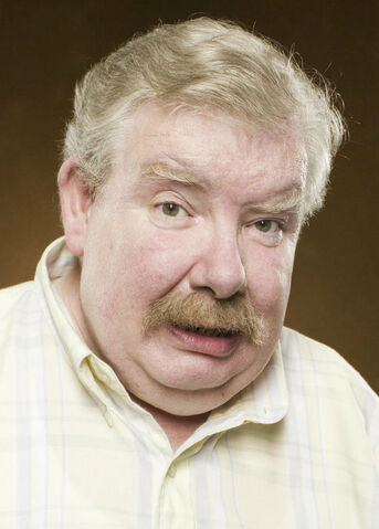 File:Vernon Dursley HP5.jpg