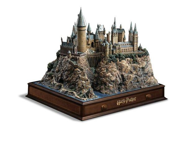 File:Harry-potter-1-6-hogwarts-01.jpg