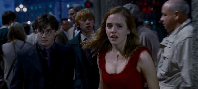 File:The Trio in the Muggle Street of London.jpg