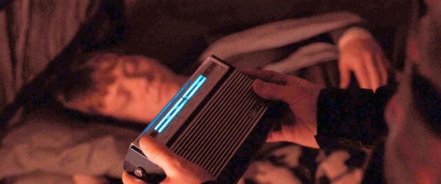 File:DH1 Arthur Weasley's radio.jpg