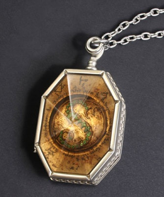 File:SalazarLocket.jpg