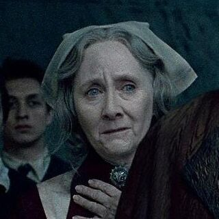 Мадам Помфри после Битвы за Хогвартс