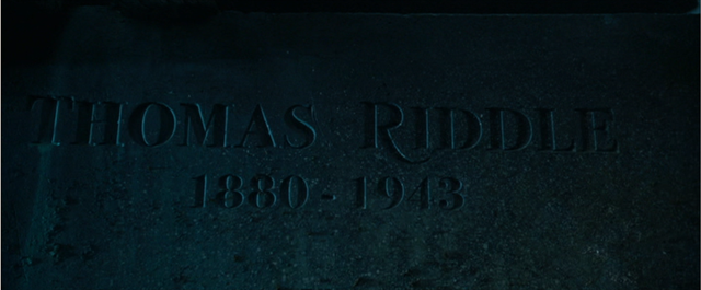 File:Thomas Riddle grave.png