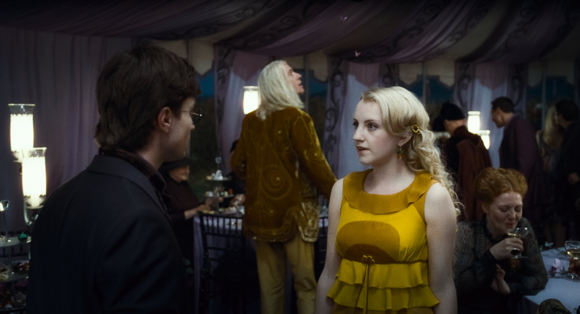 File:Deathly-hallows-daniel-radcliffe-evanna-lynch-photo.jpg