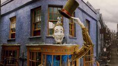 Exterior of Weasleys Wizards Wheezes shop