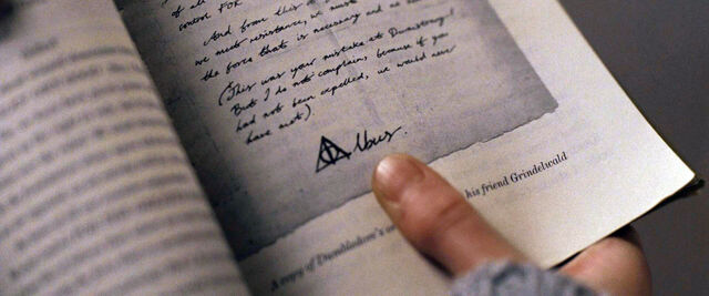 File:DH1 Albus Dumbledore's signature with Deathly Hallows symbol.jpg