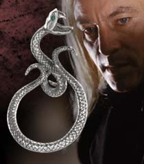 File:Lucius Malfoy's ring 2.jpg