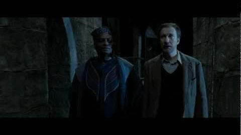 Harry Potter and the Deathly Hallows part 2 - Kingsley and Remus preparing for battle (HD)