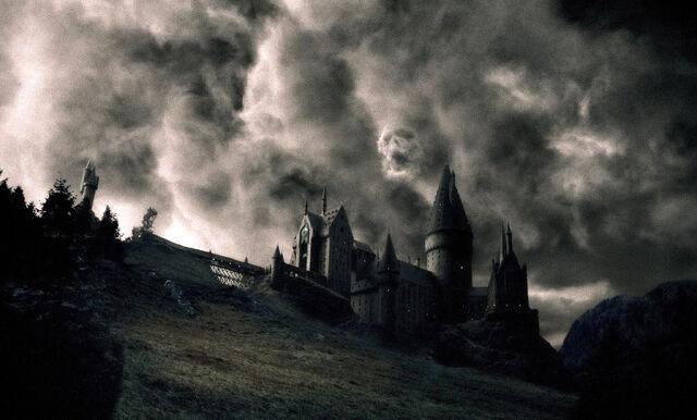 File:Dark Mark Over Hogwarts.JPG