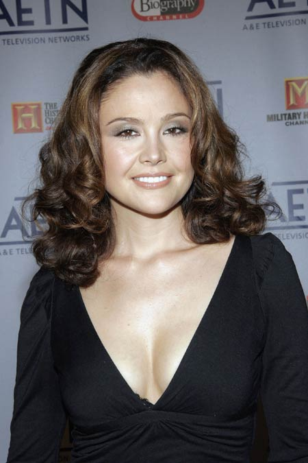 reiko aylesworth and carlos bernard