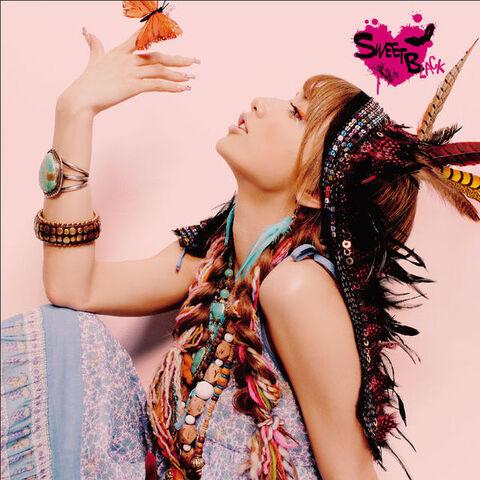 File:600px-MAKI GOTO - SWEET BLACK 8album29.jpg