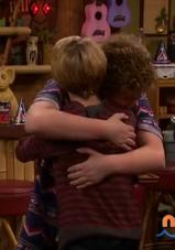 HD 1x01 jenry hug
