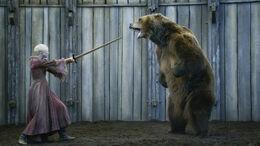 Brienne contra el Oso HBO.jpg
