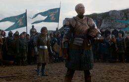 Brienne ante el rey Renly HBO.jpg