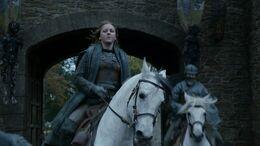 Asha llega a Invernalia HBO.jpg