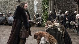 Robert llega a Invernalia HBO.jpg